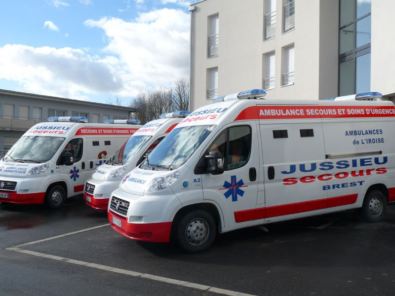 3-ambulances-cote