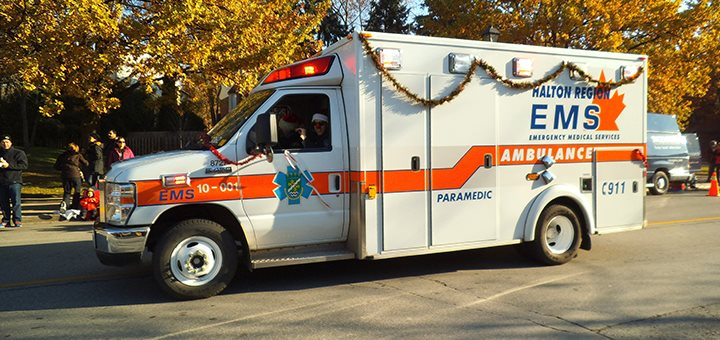 christmas_ambulance