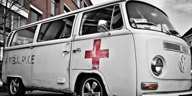 3 millions de t l spectateurs et moi et moi l 39 ambulancier pour les nuls. Black Bedroom Furniture Sets. Home Design Ideas