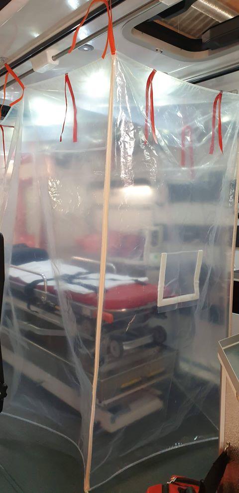 90779139 217938485976873 8850437904829251584 n 1 L' Ambulancier : le site de référence Covid 19 et caisson de protection pour brancard de l'ambulance