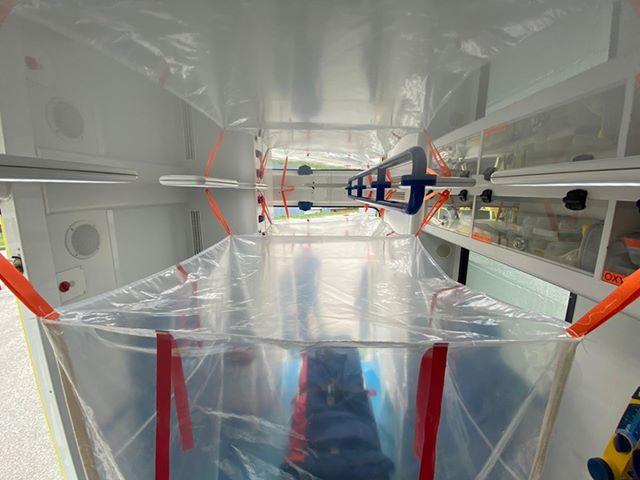 91333457 2584508688463692 1593673165941243904 n L' Ambulancier : le site de référence Covid 19 et caisson de protection pour brancard de l'ambulance